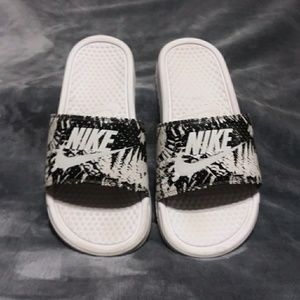 Women Nike sandals